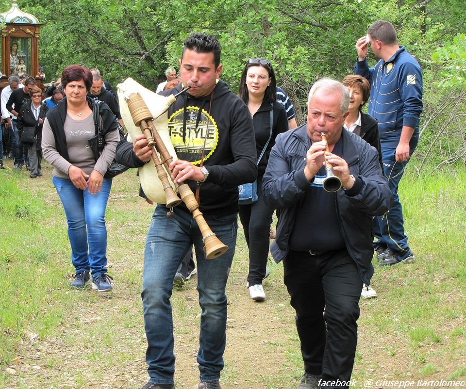 madonna-di-montauro-pentecoste-2015-sarconi-pz-1058356327527737_00025